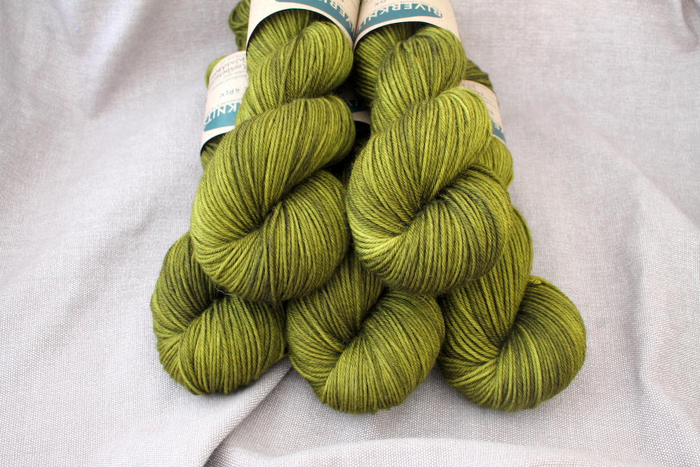 5 skeins of Moosbedeckter Waldboden. It's a mossy olive green colour