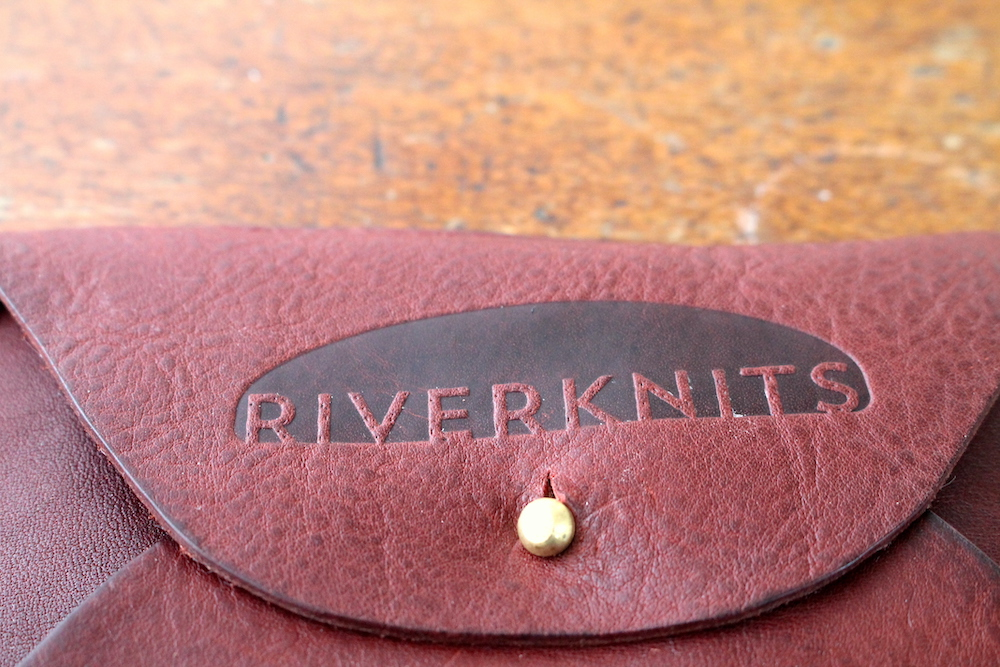 Crafter's wallet in burgundy